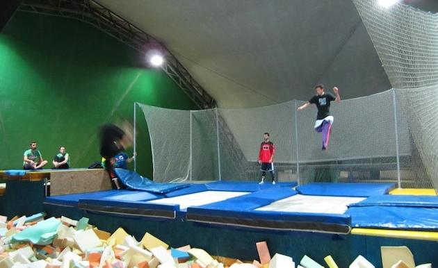 Corso di acrobatica e freestyle zero gravity 4actionsport - Zero piscina busto ...