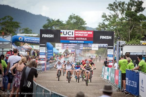 World Cup XCO Cairns - La partenza della prova femminile (foto organizzatori)