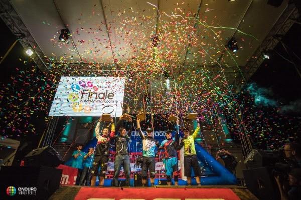 Le premiazioni EWS 2016 sul palco di Finale Ligure