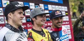 Alexandre Fayolle sul gradino più alto del podio della World Cup DH di Lourdes
