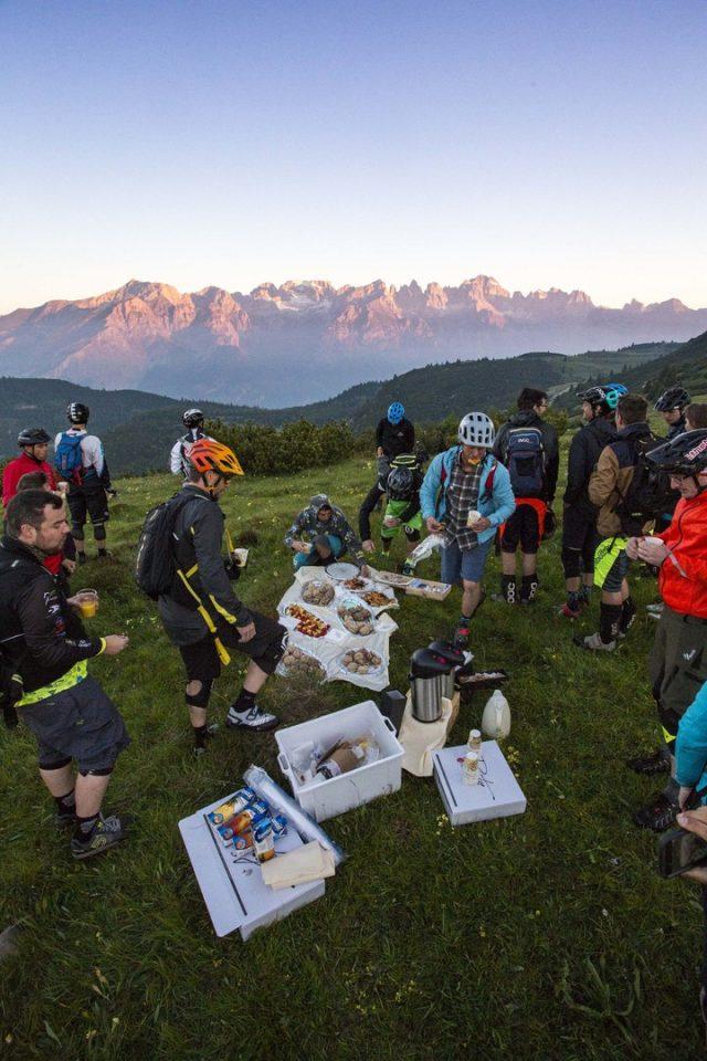 Epic ride con alba sulle Dolomiti del Brenta