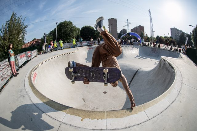 skate_week-GRATO-FINALS-LOW-RES---Aref-Koushesh-one-footed-egg-plant---ph.-Federico-Romanello