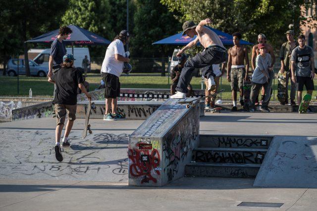 skate_week-LAMP-1-LOW-RES---Jacopo-Carozzi,-kickflip-fs-noseslide,-ph.-Federico-Romanello-15