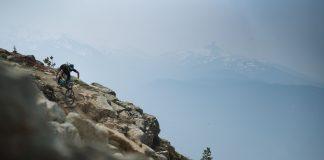 Un'iconica vista del trail Top of the World di Whistler