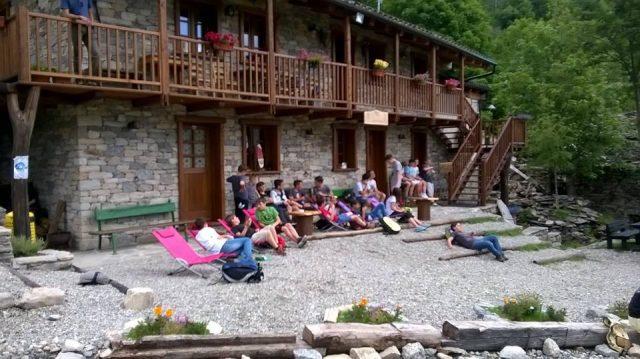 rifugio alpino Santa Pulenta con Dynafit Alpine Pro e zaino Camelbak Ultra 10