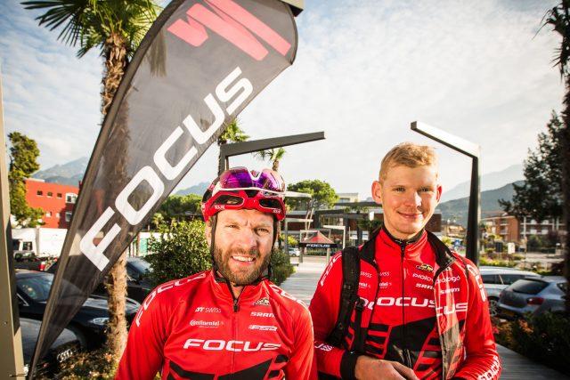 Florian Vogel e Markus Schulte-Lünzum del team Focus XC
