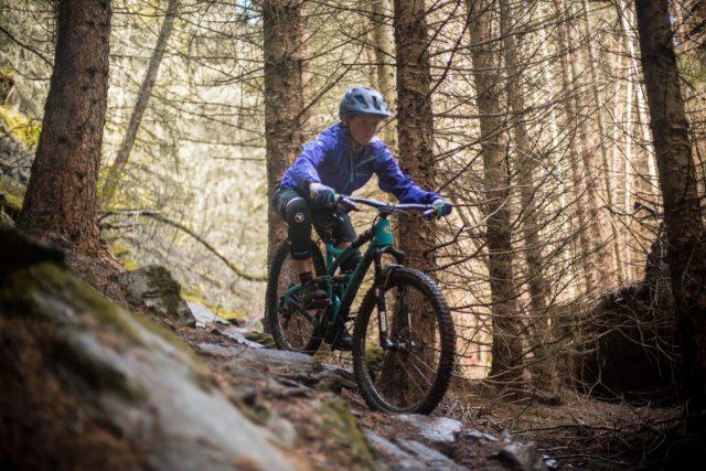 Anna Riddel in azione sui trail scozzesi