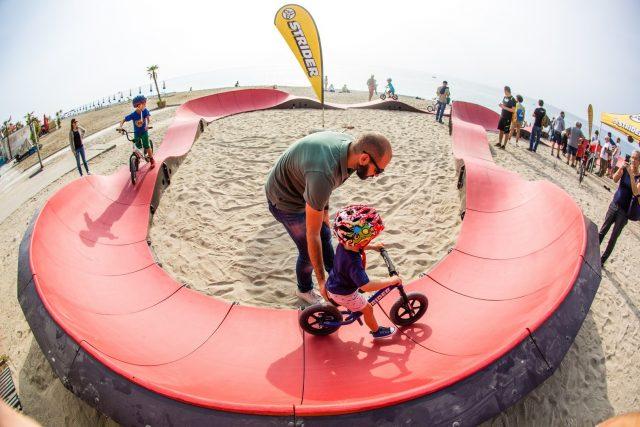 FLOW Festival ha pensato a tutto, anche ai biker in erba sul lungomare si Finalmarina