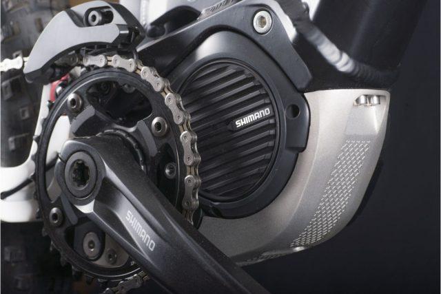 Pacchetto motore Shimano Steps E8000 con batteria semi integrata