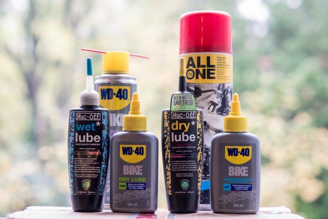 Il mercato offre un'ampia scelta di lubrificanti: a goccia o spray, per climi asciutti o umidi