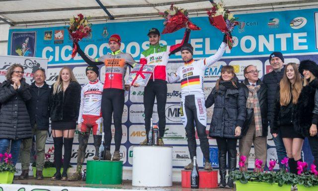 Il podio del Mastercross di Faè di Oderzo: Bertolini 1°, Baestaens 2°, Meisen 3°