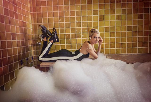 Cara Delevingne, female ambassadors del Global Sports Brand, e immortalata dalla fotografa americana Cass Bird.