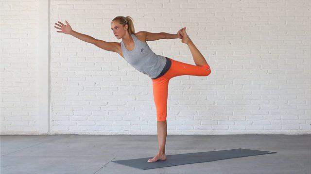 Dancer Pose - foto: www.yoga15.com