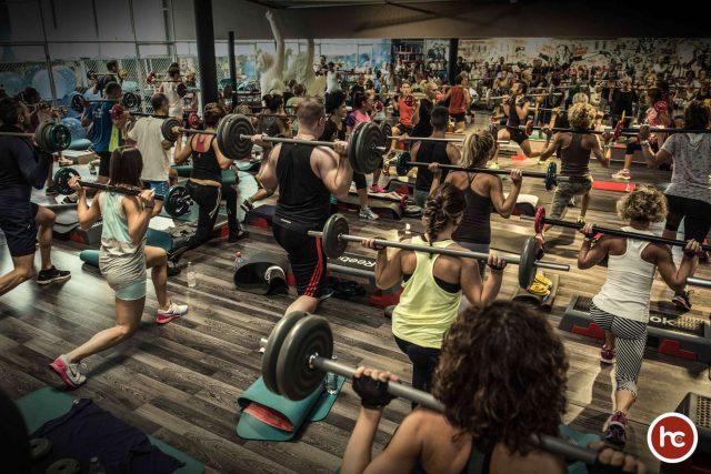 Un'allenamento collettivo presso la palestra Hard Candy Fitness di Milano, partner del progetto Lierac Beauty Run 2018