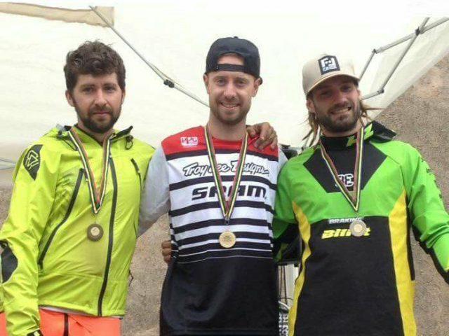 Il podio Elite: 1° Martin, 2° Tondin, 3° Finetto