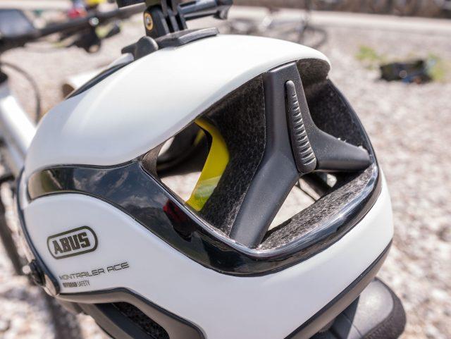 Design originalissimo sul retro del casco
