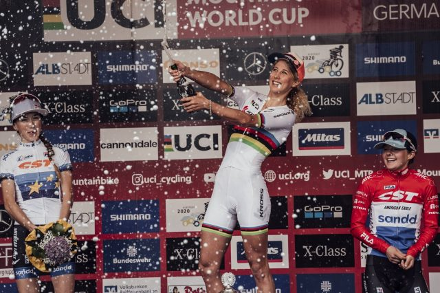 Yana Belomoina 2^, Jolanda Neff 1^, Anna Tauber 3^ sul podio Elite Women