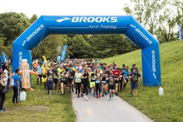 Una fase del Brooks Run Happy Tour della tappa di Milano a inizio estate