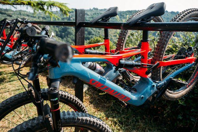 La nuova Turbo Levo pronta a essere strapazzata sui trail di ogni tipo