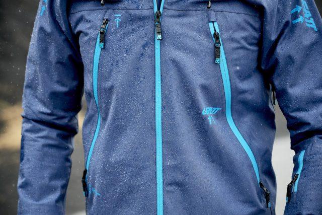 Dettaglio della giacca DBX 4.0 All-Mountain
