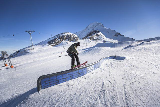 lpi dei Tauri occidentali alta 3.203 m. Il Kitzsteinhorn si trova in Austria