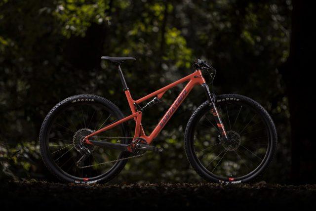 Santa Cruz Blur, 100 mm di travel per la full 29er da XC