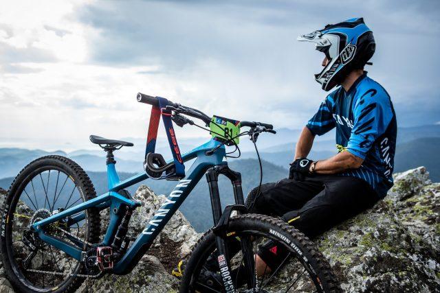 Relax prima di aprire il gas sui trail di Finale Ligure con la nuova Canyon Strive 2019