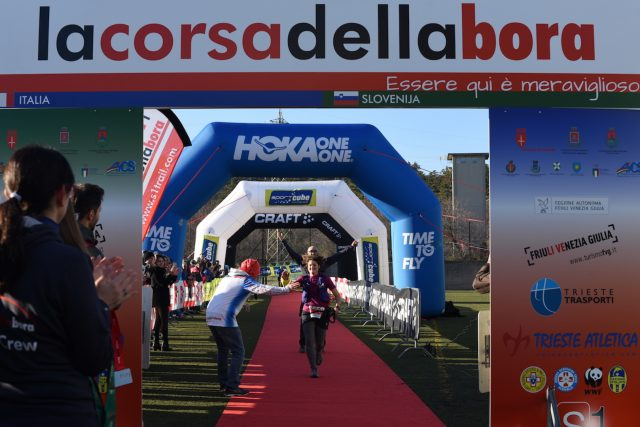Alessandra Olivo, vittoriosa nella Corsa della Bora al traguardo