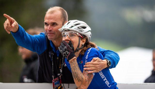 Il CT della Nazionale Italiana Mountain Bike e organizzatore dell'Andora Bike Race Mirko Celestino con Marika Tovo ai Campionati del Mondo di Mountain Bike 2018