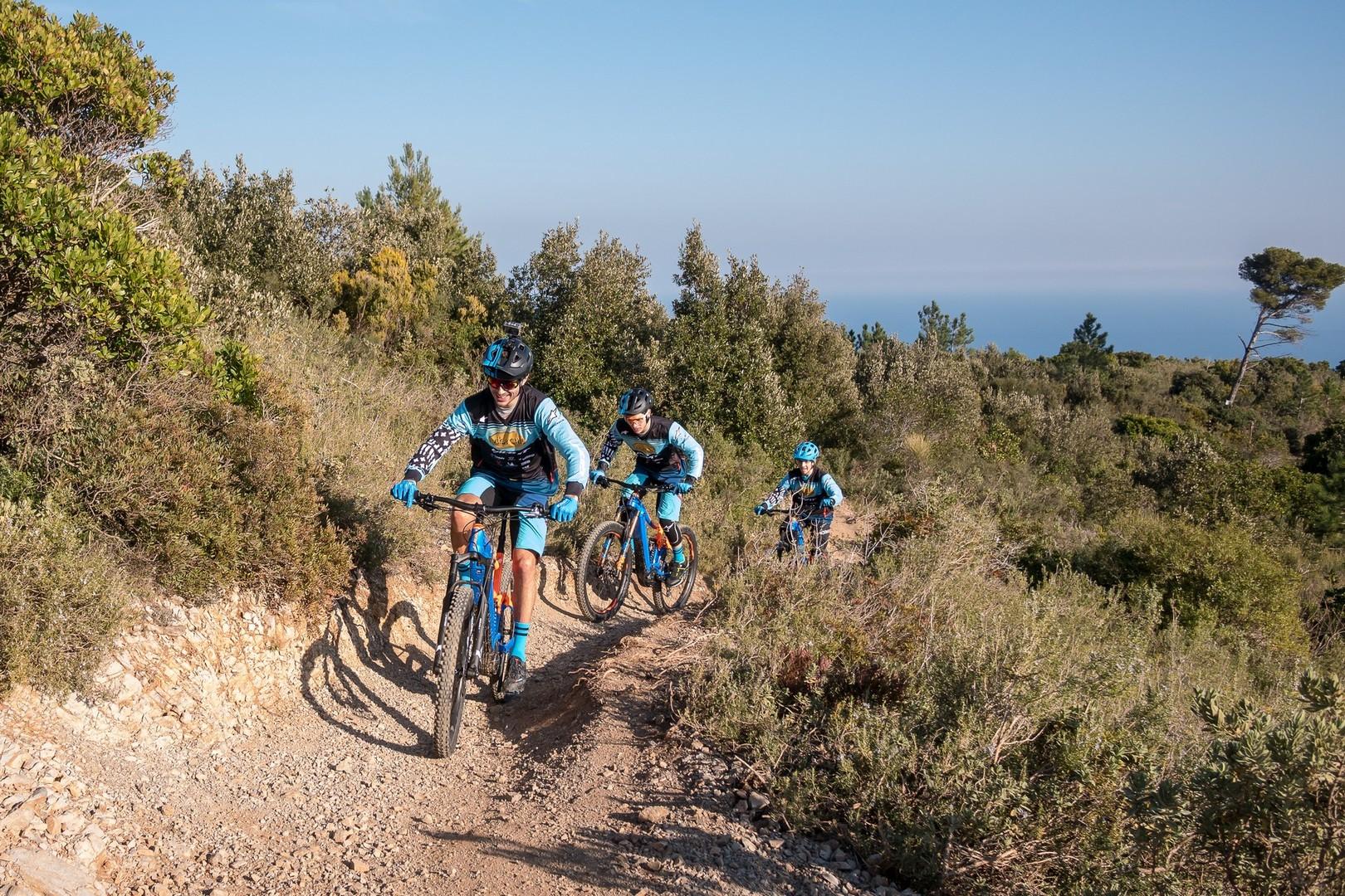 Vittorio Gambirasio, Tommaso Francerdo e Guglielmo Abete sui trail di Finale Ligure