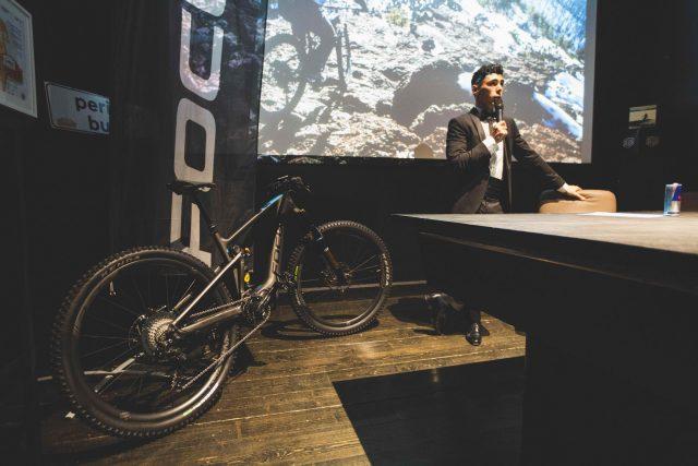 Il Prorider alla conferenza stampa del Deus Ex Machina Café di Milano