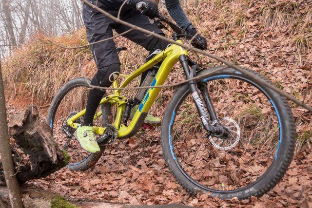 GT Sensor Carbon Pro corre rapida sui trail più scorrevoli