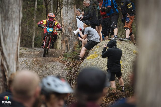 Isabeau Courdurier vince la sua seconda gara EWS in Tasmania