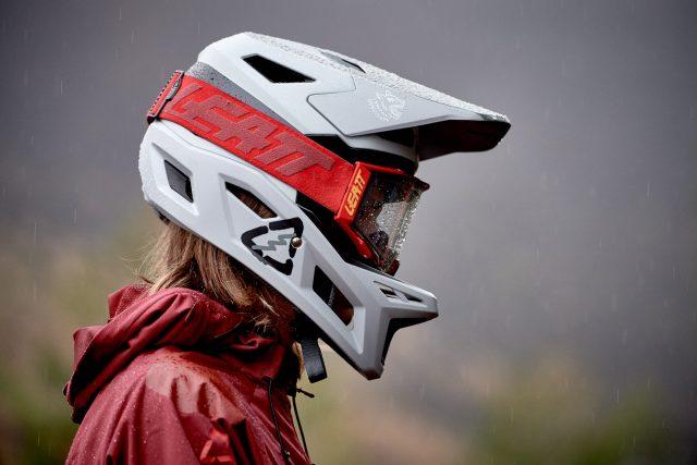 Leatt DBX 3.0 full face helmet - foto: Cristoph Laue