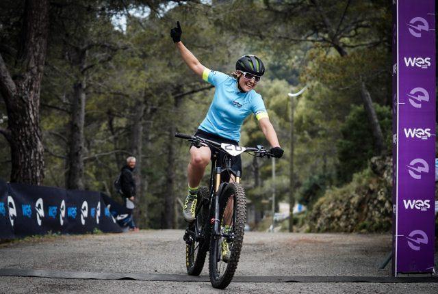 La tedesca Nathalie Schneitter (Team eMTB-News) vince in campo femminile la prima gara XC della serie WES