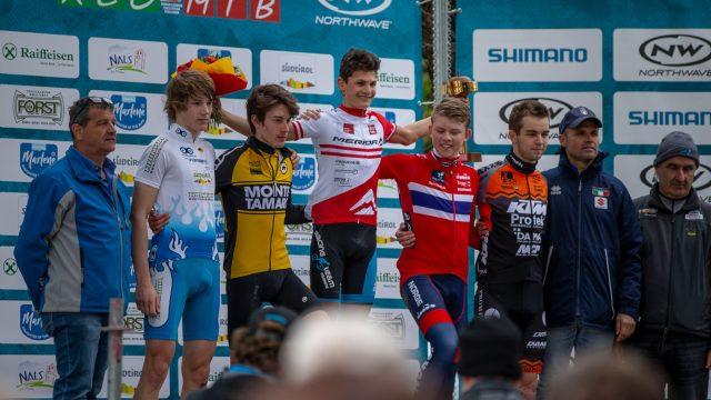 Il podio della gara Junior Maschile: al centro il vincitore Mario Bair