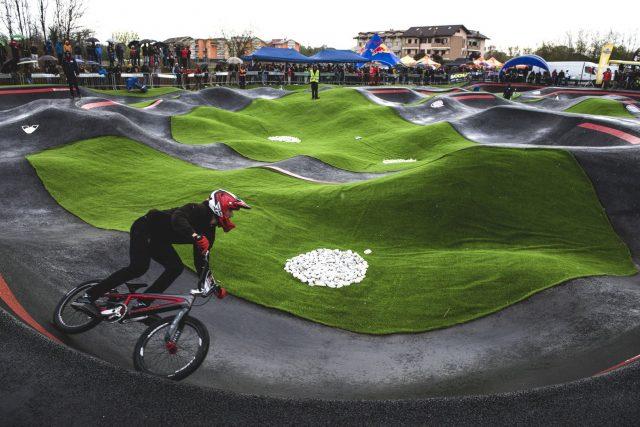 La bellissima pump track di Lainate, durante le finali dell'evento Red Bull