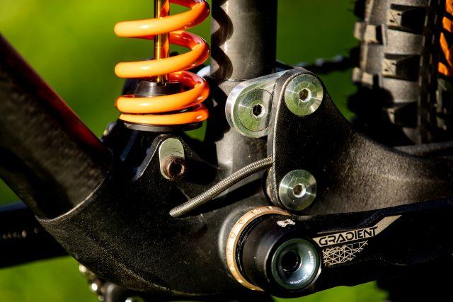 FSA Gradient sul prototipo della Atherton Bikes da DH