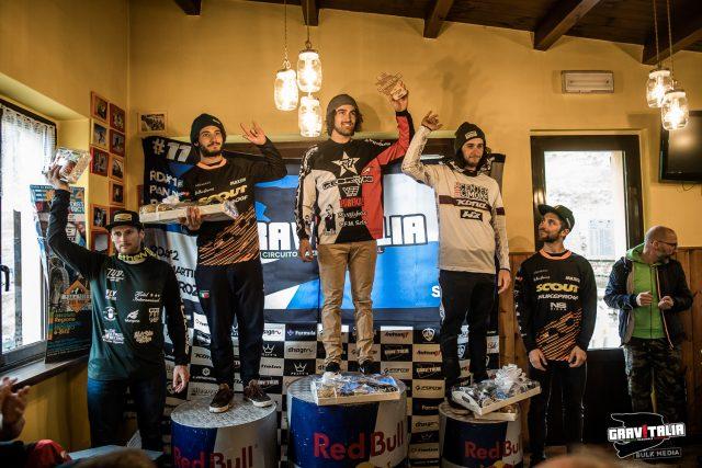 Il podio dell'assoluta maschile a Pian del Poggio 2019