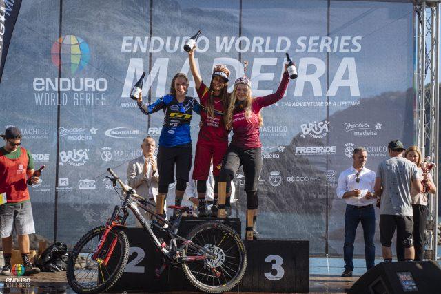 Il podio Elite Women: 1^ Isabeau Courdurier, 2^ Noga Korem, 3^ Ella Conolly
