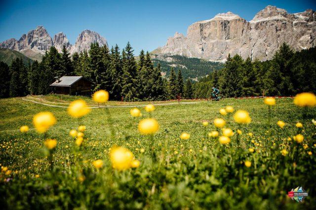 Enduro al cospetto delle Dolomiti