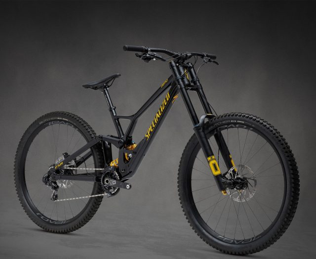 Specialized Demo Race 29 - 6.799 €