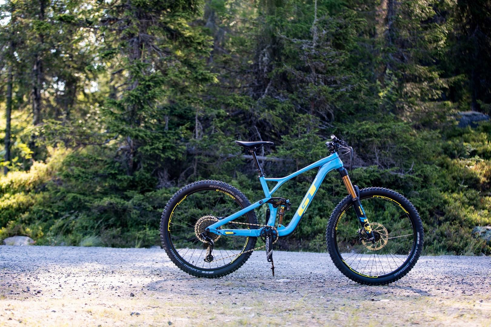 GT Force Carbon Pro - bike