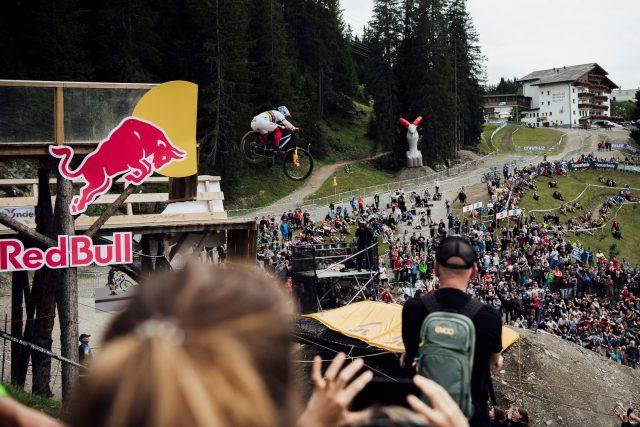 Loic Bruni sul drop finale di Lenzerheide