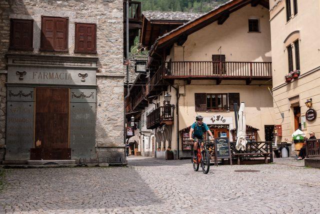 Nel borgo di Gressoney-Saint-Jean