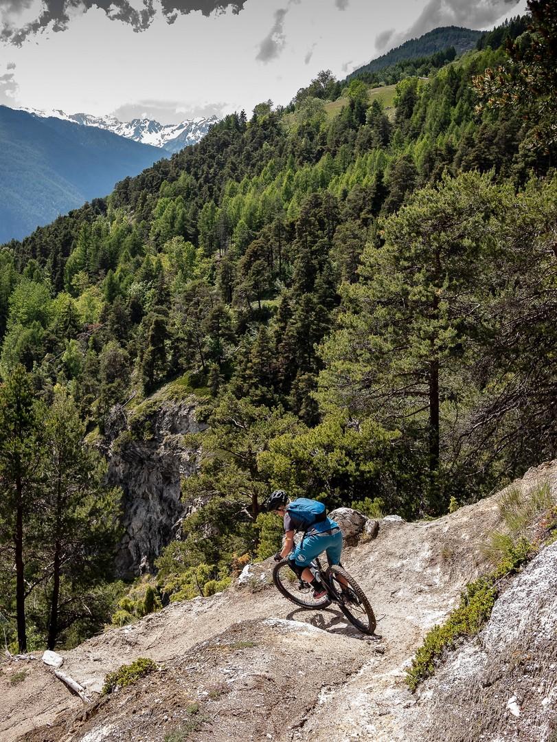 Sentieri sfidanti immersi in ambienti epici con panorami che lasciano senza fiato... tutto questo e tanto altro è Valle d'Aosta