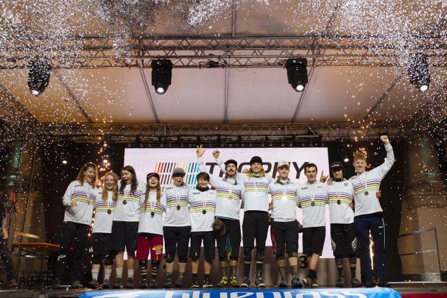 I vincitori del primo Enduro Trophy of Nations sotto l'egida della UCI