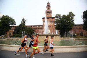 Alcuni concorrenti con sfondo d'eccesione il Castello Sforzesco