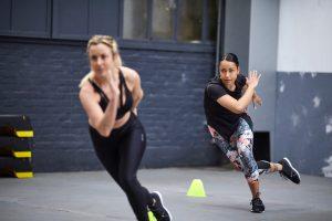 In foto i Leggings 7/8 Donna Cardio Fitness 500