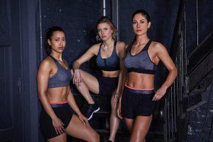 In foto il Top Donna Cardio Fitness 500, con il pantaloncino fitness abbinato